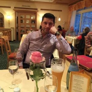 matrimoniale germania barbati 50 ani poker dating website